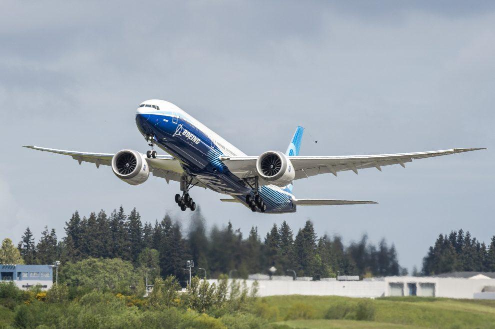 Druhý testovací letoun 777X při prvním letu. Foto: Boeing