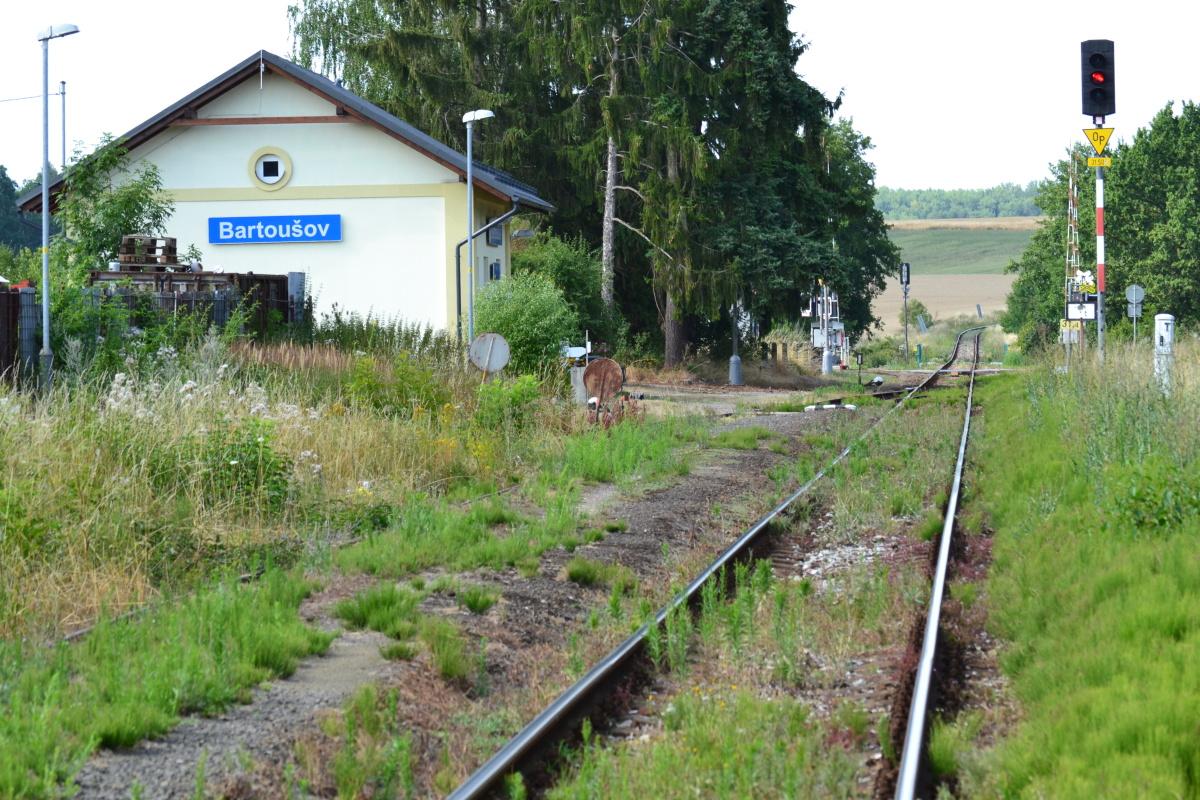 Dopravna Bartoušov. Pramen: Správa železnic
