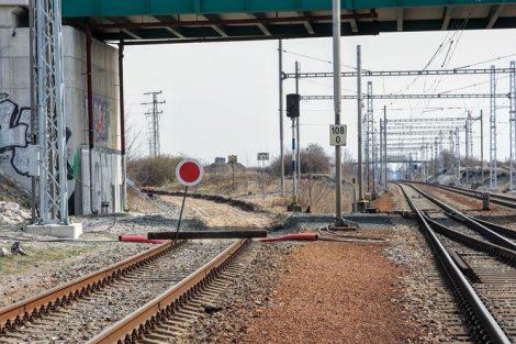Původní napojení trati do Hustopečí mizí, odbočka bude jinde. Pramen: Správa železnic