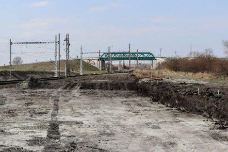Nová stopa trati a pohled zpět ke stanici Šakvice. Pramen: Správa železnic