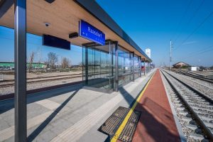 Zmodernizovaná stanice Raasdorf na trati Vídeň - Bratislava. Pramen: © ÖBB, Fritscher