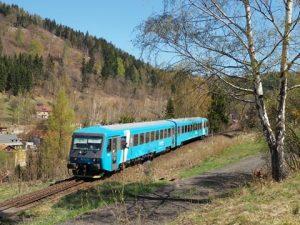 Testování jednotky 845 na trati mezi Tanvaldem a Kořenovem. Foto: Vilém Erlebach