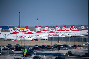 Odstavená letadla Austrian Airlines ve Vídni. Foto: Austrian