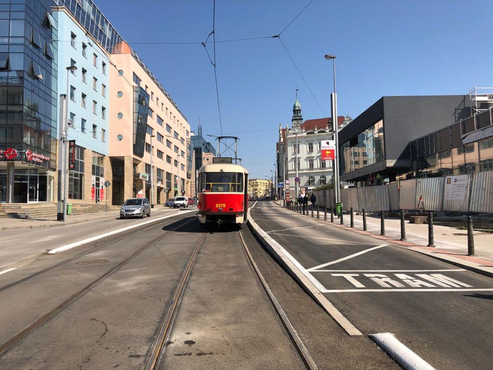 Zastávka Nádraží Vysočany. Foto: Daniel Šabík