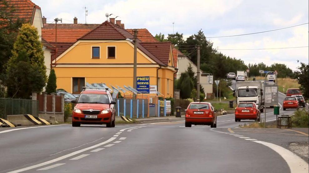 Provoz v Horní Lukavici na silnici I/27. Foto: ŘSD