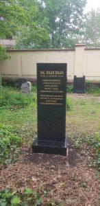 Nový náhrobek železničního konstruktéra Oscara Dolcha. Autor: Tomáš Tyll