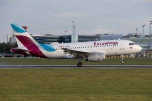 Airbus A319 společnosti Eurowings přistává v Praze. Foto: Lukáš Novák