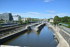 Zdymadlo Štvanice, pohled z Negrelliho viaduktu. Pramen: Správa železnic