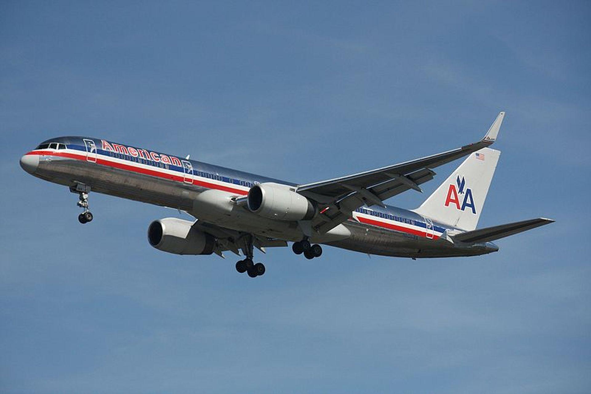 Boeing 757 v původním laku American Airlines. Foto: Makaristas / Wikimedia Commons