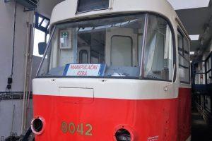 Tramvaj T3 pro velkou opravu ve společnosti Ekova. Foto: Ekova