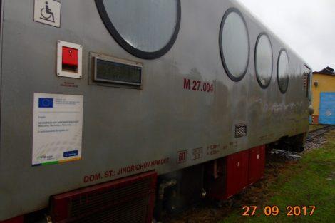 Motorový vůz M27.004 před opravou. Pramen: JHMD
