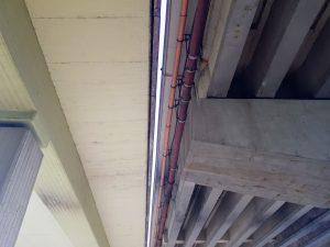 Mosty na silnici I/35 v Liberci u bývalého Baumaxu. Vlevo je novější, který je v dobrém stavu. Foto: Jan Sůra / Zdopravy.cz