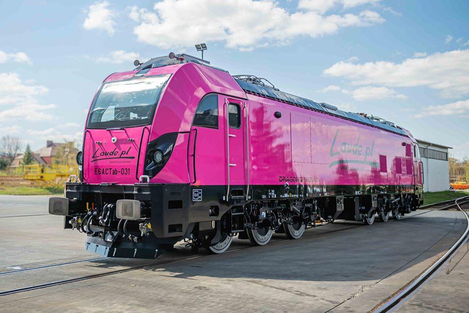 Nová lokomotiva Newag Dragon 2 pro Laude. Foto: Newag