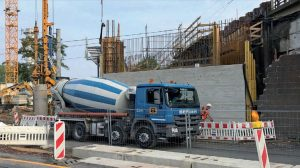 Výstavba spojky tratí v Radebeulu. Pramen: Deustche Bahn
