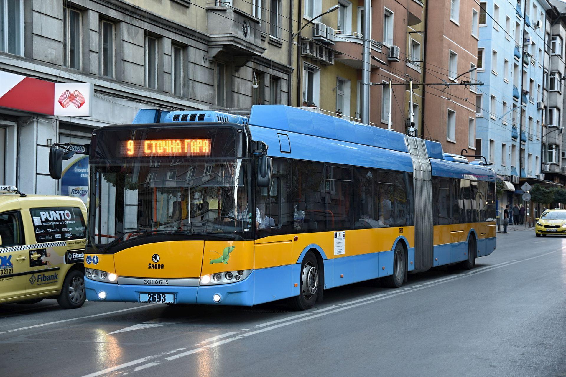 Trolejbus Škoda 27 Tr v Sofii. Foto: Michal Chrást