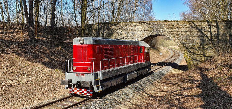 Lokomotiva 721.091-7 (T 458.1091) ze sbírek Centra historických vozidel Lužná. Foto: https://www.facebook.com/pg/hekinsumperk