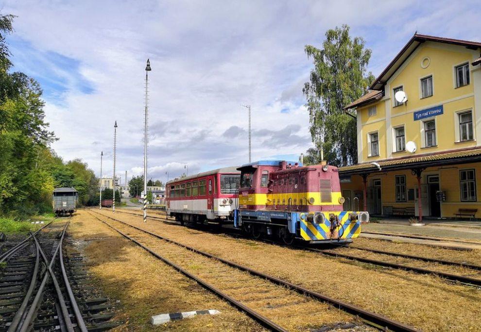 Vlak KPT Rail v Týně nad Vltavou. Pramen: KPT Rail
