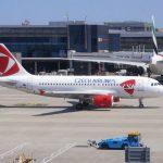 Airbus A319 Českých aerolinií v Londýně na letišti Heathrow. Foto: ČSA