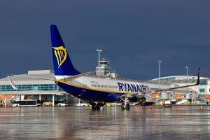 Boeing 737-800 Ryanairu v Praze. Foto: Letiště Praha
