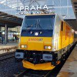 Vlak RegioJetu s lokomotivou Traxx. Pramen: RegioJet