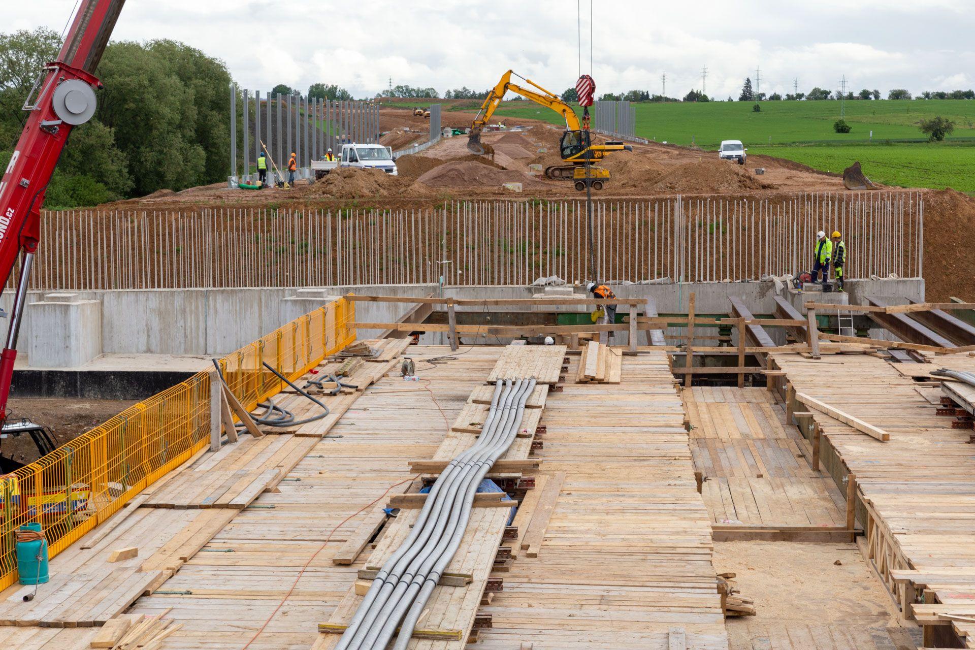 Stavba dálnice D11 v úseku Smiřice - Jaroměř. Foto: ŘSD