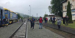 Po sedmi letech první osobní vlak v Chotiměři. Foto: Markéta Flochová