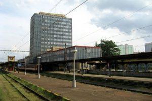 Nádraží Most. Autor: Dezidor – Fotografie je vlastním dílem, CC BY 3.0, https://commons.wikimedia.org/w/index.php?curid=7679723