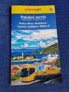 Průvodce palubním servisem pro linku do Chorvatska. Foto: Jan Sůra / Zdopravy.cz