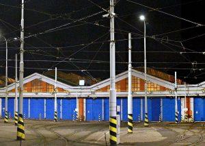 Vozovna Strašnice. Autor: VitVit – Vlastní dílo, CC BY-SA 4.0, https://commons.wikimedia.org/w/index.php?curid=52760460