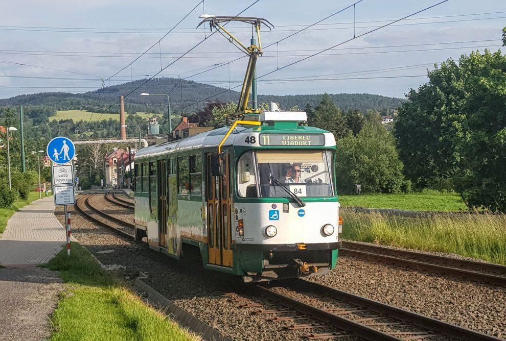 Tramvaj z Jablonce nad Nisou do Liberce na území Vratislavic nad Nisou. Foto: Jan Sůra / Zdopravy.cz