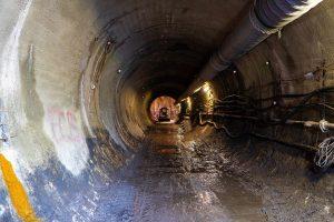 Průzkumná štola pro metro D. Foto: Strabag
