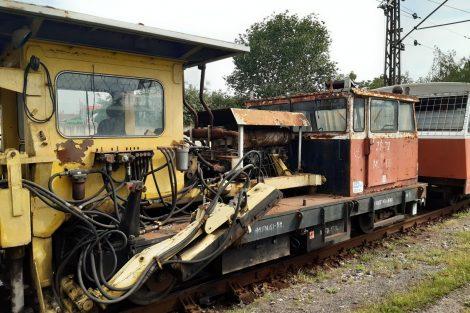 Zhutňovač štěrku MUV 69.1+ŽS72. Pramen: Správa železnic