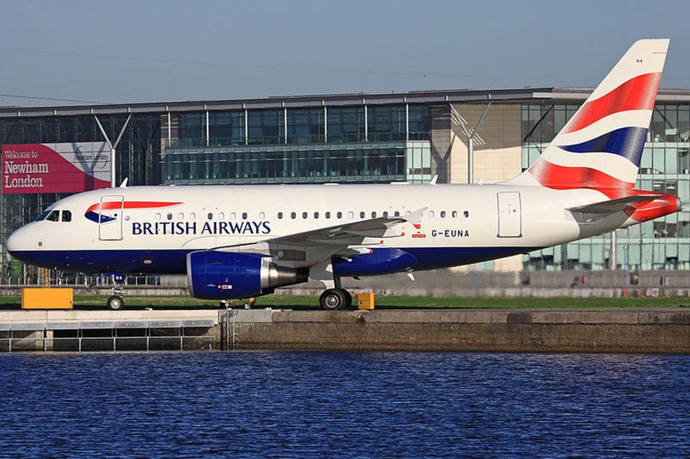 Airbus A318 British Airways na letišti London City. Foto: Eduard Heisterkamp / Wikimedia Commons