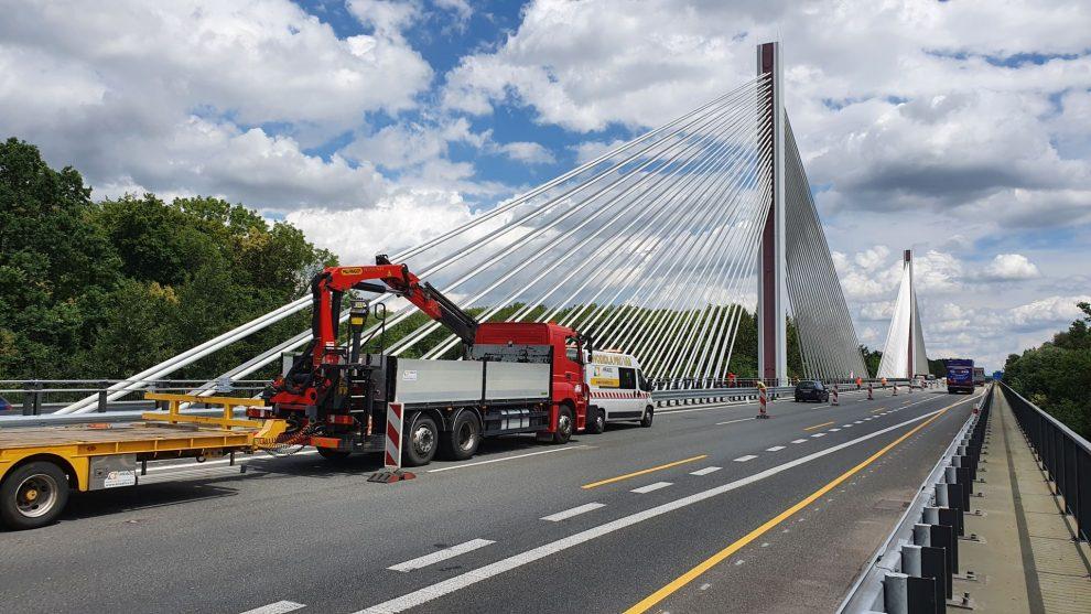 Most přes Labe na dálnici D11. Foto: ŘSD