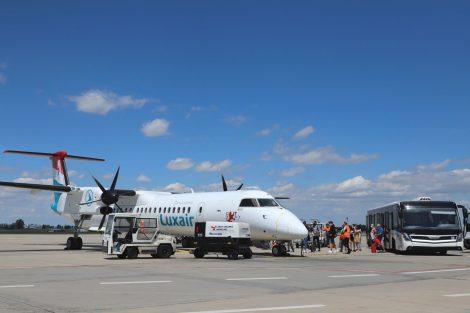 Bombardier Dash 8 Q400 společnosti Luxair. Foto: Letiště Praha