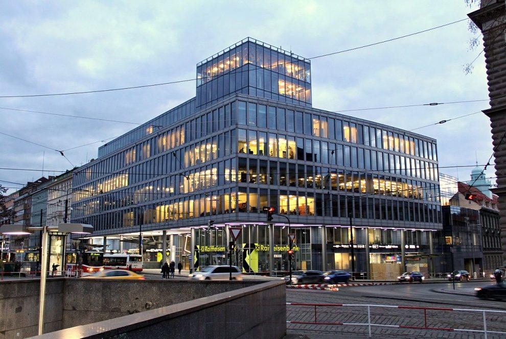 Karlovo náměstí. Autor: VitVit – Vlastní dílo, CC BY-SA 4.0, https://commons.wikimedia.org/w/index.php?curid=48843861