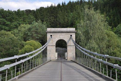 Stádlecký most. Autor: Ben Skála – Vlastní dílo, CC BY-SA 3.0, https://commons.wikimedia.org/w/index.php?curid=12769746