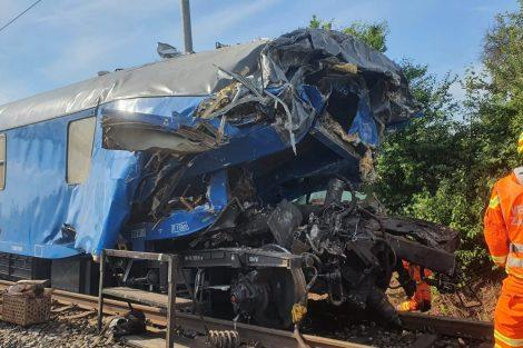Poškozený poštovní vůz po nehodě, Český Brod. Pramen: Správa železnic
