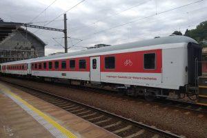 Vozy řady BDcm v Praze na hlavním nádraží. Foto : Bohuslav Škoda