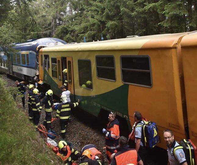 Zásah u nehody v Perninku. Foto: HZS