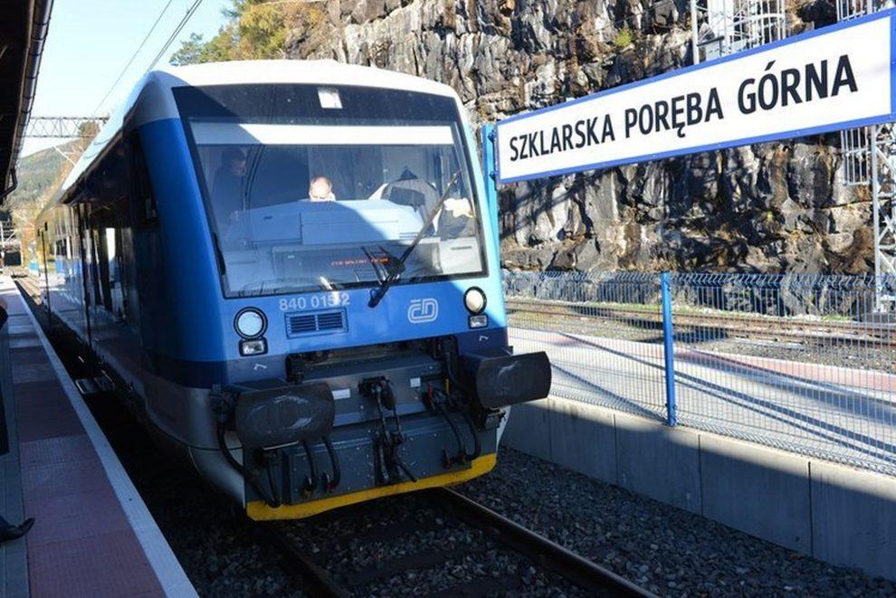 Stadler RS1 ve stanici Szklarska Poręba Górna. Foto: Liberecký kraj