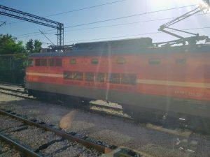 Slovinská lokomotiva, která táhla vlak přes území Slovinska, v chorvatské stanici Šapjane. Foto: Jan Sůra / Zdopravy.cz