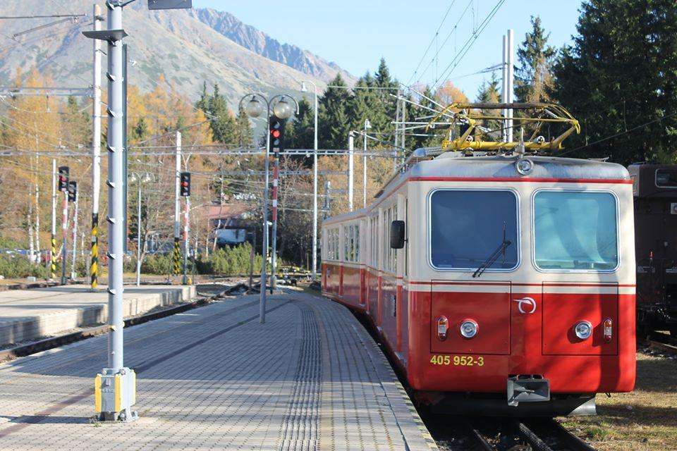 Elektrická jednotka 405.95 pro provoz mezi Štrbou a Štrbským Plesem. Foto: Tatranská informačná kancelária