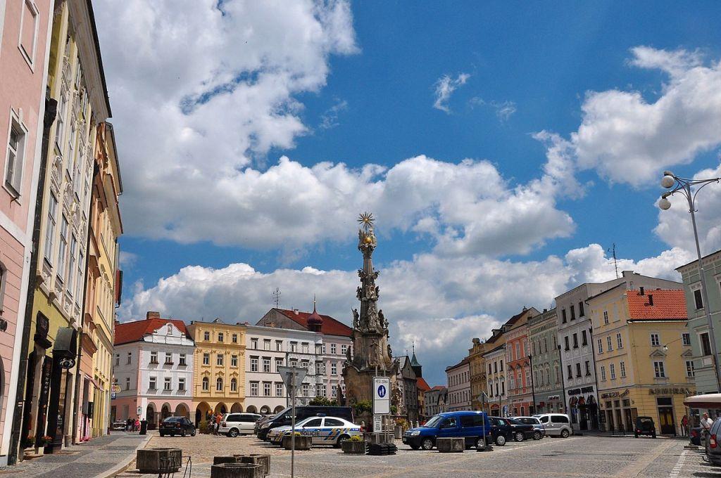 Jindřichův Hradec. Autor: Herbert Frank from Wien (Vienna), AT – Jindrichuv Hradec / Neuhaus, CC BY 2.0, https://commons.wikimedia.org/w/index.php?curid=69895324