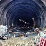 Stavba tunelu Mezno na 4. koridoru. Pramen: Správa železnic