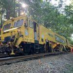 Stroj pro opravy kolejí SUZ 500. Pramen: Swietelsky Rail