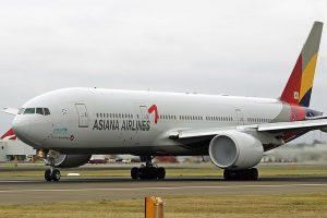 Boeing 777-200 společnosti Asiana Airlines. Foto: Jeff Gilbert / Wikimedia Commons