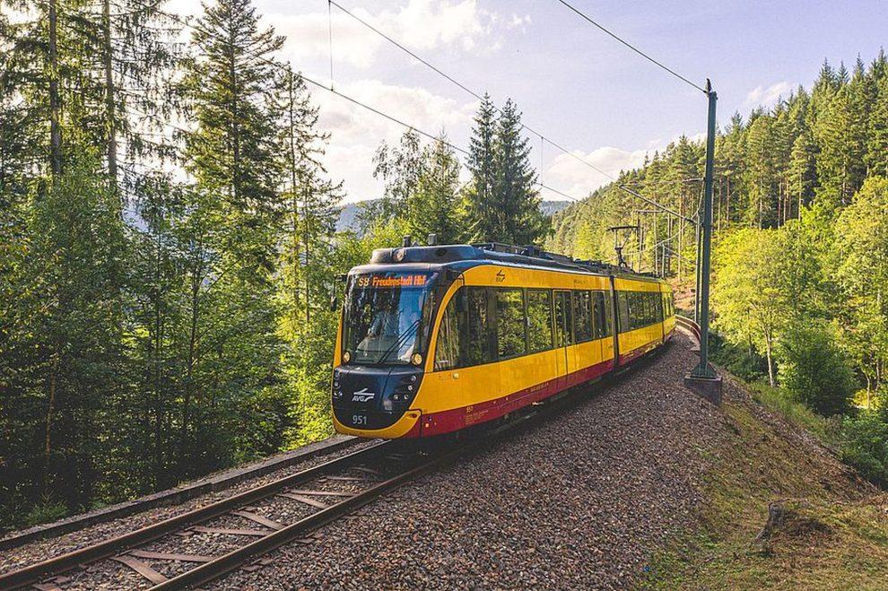 Vlakotramvaje Flexity od Bombardieru pro tratě v Karlsruhe. Foto: AVG