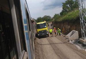 Střet rychlíku Rožmberk a nákladního automobilu na trati Brno - Střelice. Pramen: Zdopravy.cz