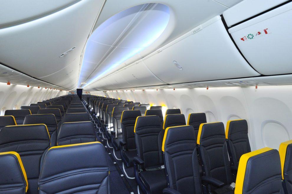 Interiér letadla Ryanairu. Foto: Ryanair